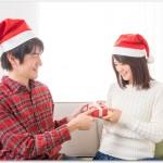 クリスマスプレゼントにペアリングは重い?サイズがわからない場合は?相場20代は?
