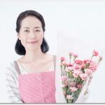母の日お義母さん結婚前はどうすれば?連名で贈る?花だけでいいの?