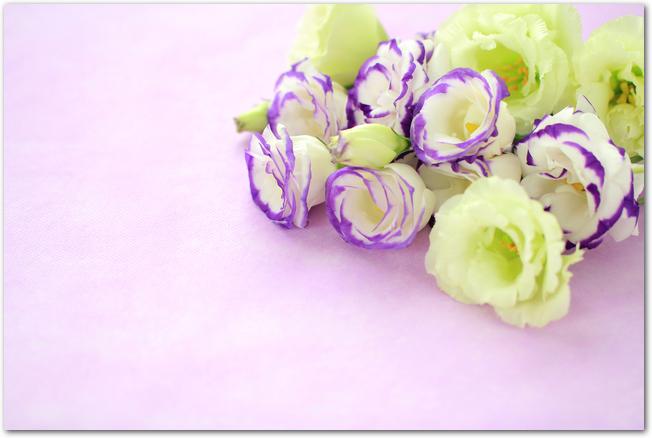 お盆のお供えの定番として人気の花束